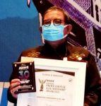 Kadis Damkar Sudaryano Lamangkona Raih Penghargaan Inspiring Profesional dan Leadership Award 2021 di Bandung